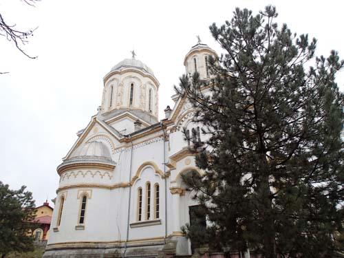 Kyrkan var den mest välvårdade av de byggnader vi såg under besöket!