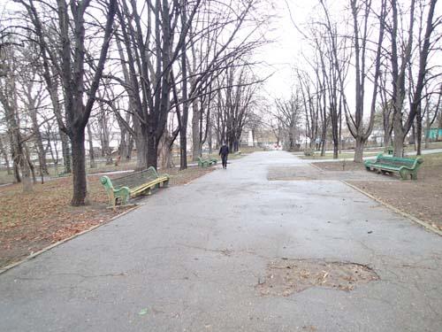 En synnerligen öde park.