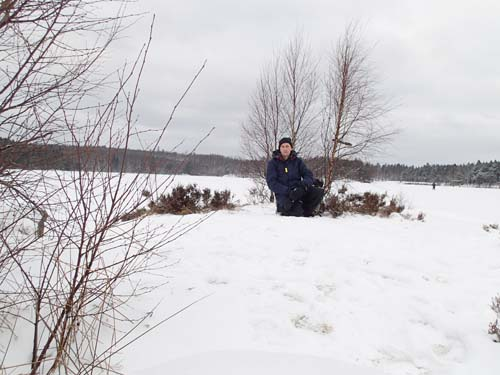 Är det Robison som sitter där borta? Nej, det är nog snarare Hallén på en öde ö!