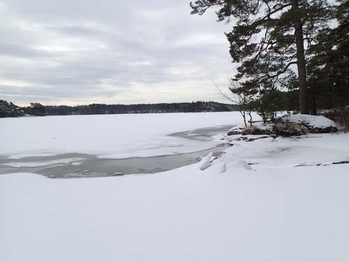 Det var inte överallt isen bar, det gällde att välja rätt väg!