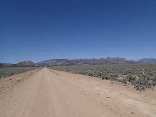 Väg genom Nevadaöknen