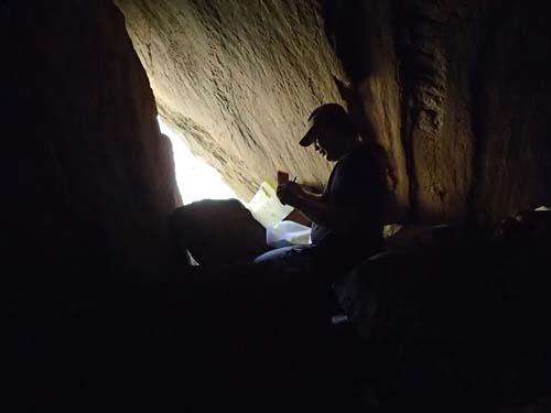 Inne i grottan.