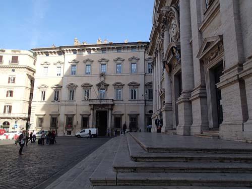 Påvepalats