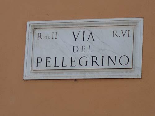 En tidskrift i den stora staden har börjat att skicka post till mig, eller jag tror det är till mig då det står Mr Pellegrino, denna dag hittade jag min gata!