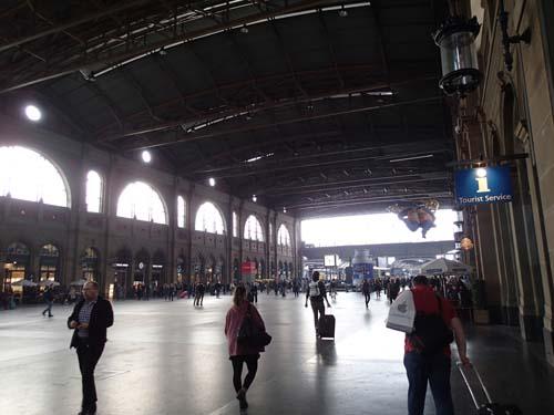 Ankomsthallen är minst sagt imponerande. Lägg dessutom till att det finns en mindre underjordisk stad under stationen!