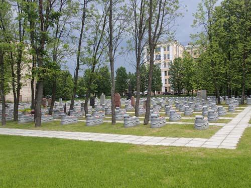 Här vilade fallna soldater från många krig.