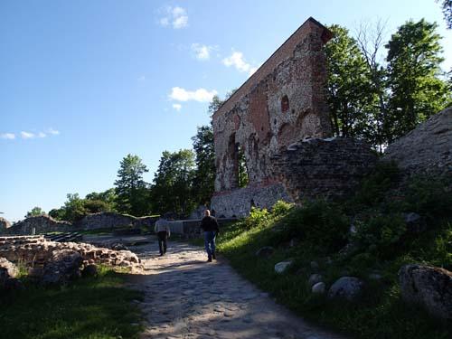 Jämför muren med Ingabo och Torado till vänster.