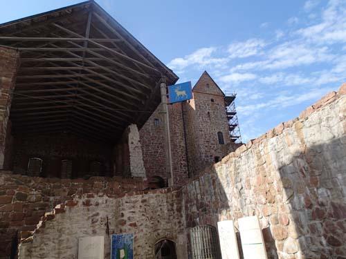 Närmast i bild den Östra längan där slottet hade sitt senaste kök