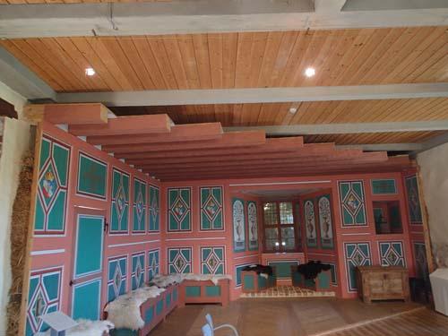 I Norra längan finns en rekonstruktion av hur finare rum i slottet såg ut under 1500- och 1600-talen.