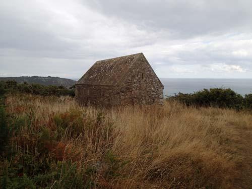 Ännu en 1800-tals bunker, trevligt nog med en cache!