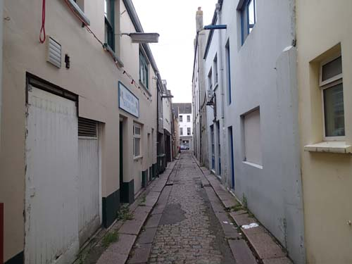 Stadens baksida.