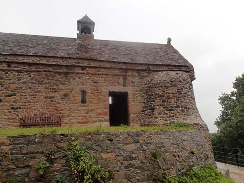 Kapellet på högens topp.