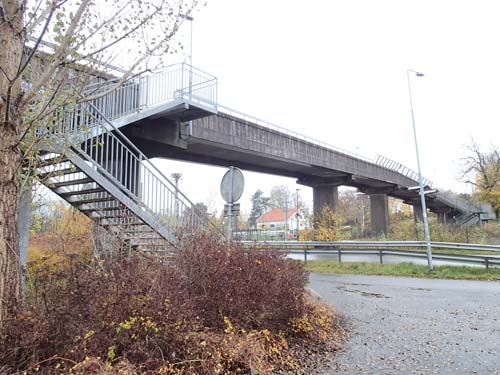 Märklig bro