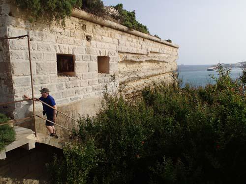 Till slut kunde vi ta oss upp igen, därmed var första burken på Malta loggad.
