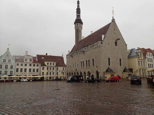 Stortorget i Tallinn är imponerande.