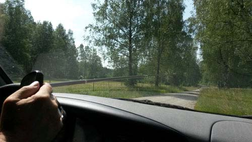 Ett fem meters metspö går inte in i bilen, så vad gör man då?