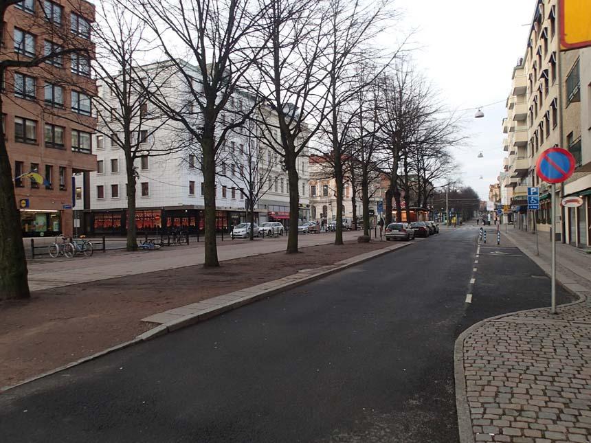 Inte mycket folk i rörelse i dessa kvarter.