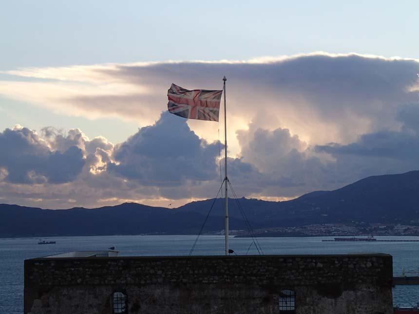 Det sägs att solen aldrig går ned över det Brittiska imperiet, men här såg vi faktiskt solen försvinna....