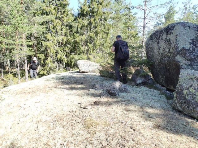Stora stenar gillar B&E!