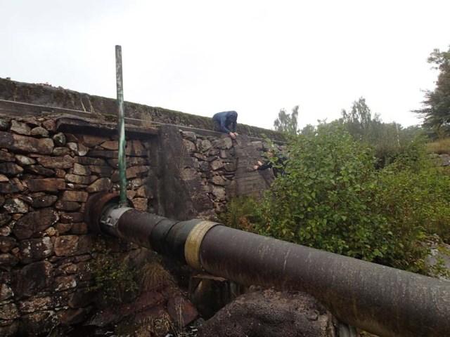 Ovanför Toreskogs slott påträffades denna imponerande dammanläggning.
