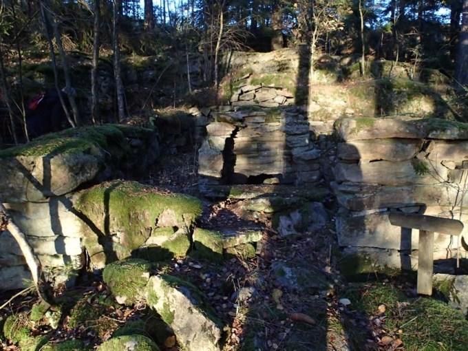 Denna ruin påträffades vid en av burkarna - den såg märkligt ut, vad kan den ha används till?